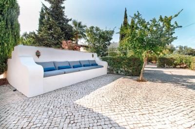 Comfortable outdoor sofa B&B Algarve