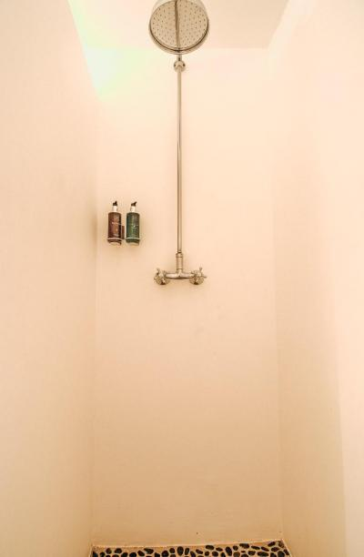 Rituals shower products in all the bathrooms